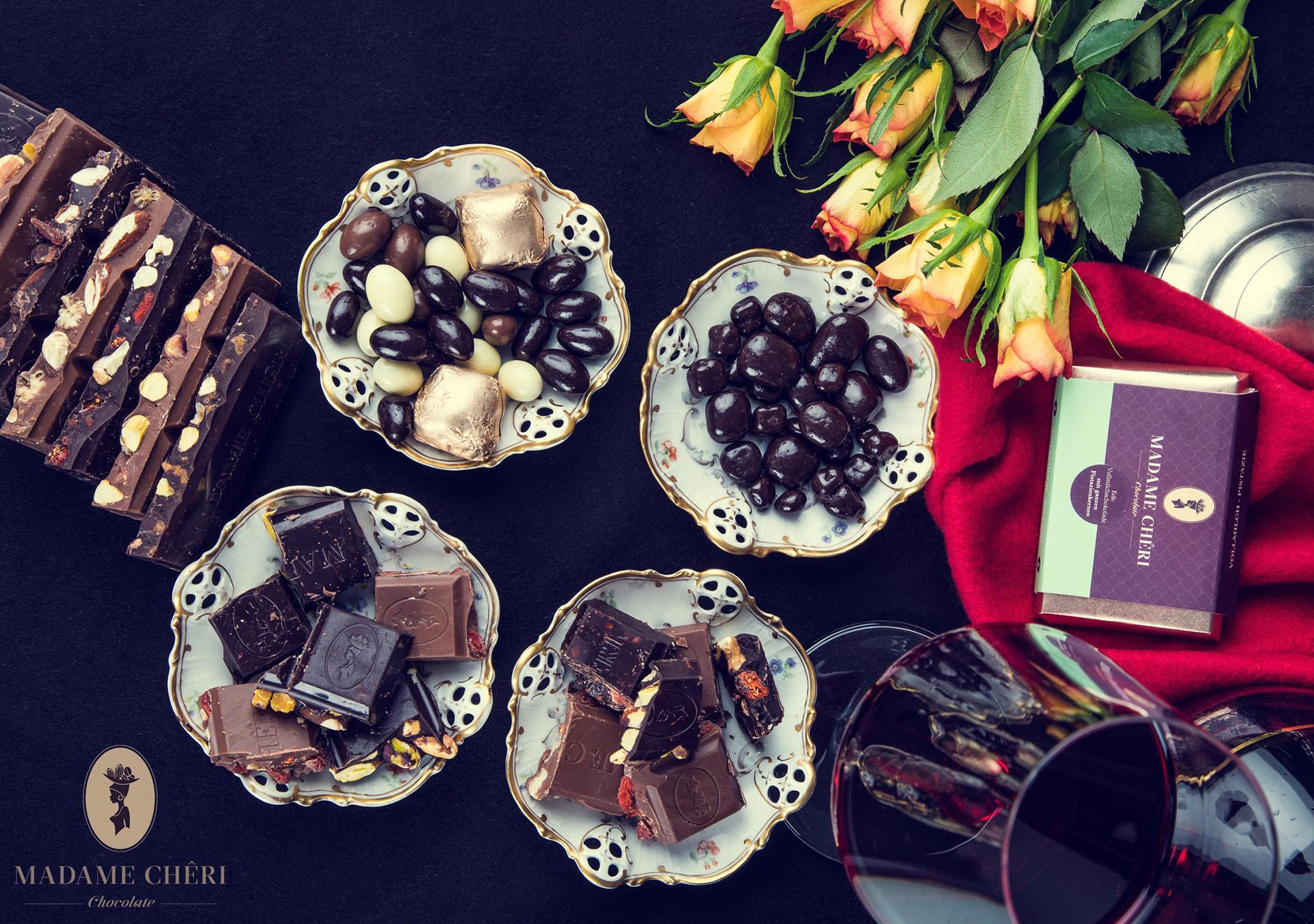 Madame Cheri Schokolade Stillleben